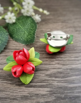 Polimēra broša - sarkanas tulpes