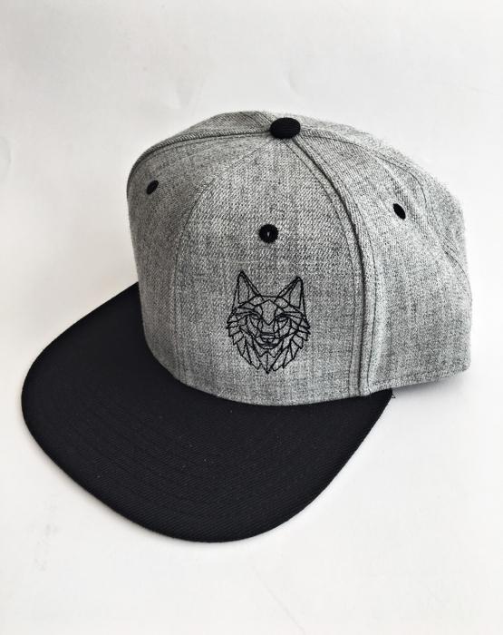"""Cepure ar nagu """"Vilks"""" gaiši pelēka"""