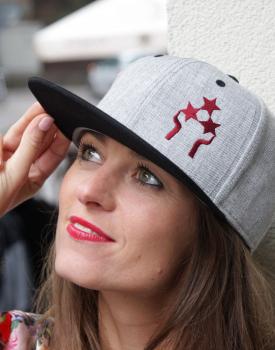 """Cepure ar nagu """"Trīs zvaigznes"""" melna"""