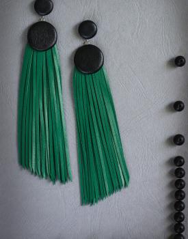 """Ādas auskari """"Divas podziņas ar skarām"""" zaļi"""