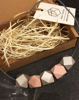 Geometric necklace - light
